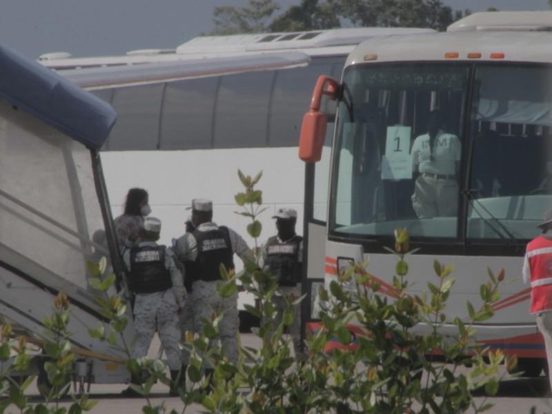 Deportan a 94 migrantes haitianos a Puerto Príncipe desde Tapachula