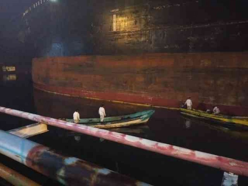 Derrame de hidrocarburos en Terminal Marítima Pajaritos de Coatzacoalcos