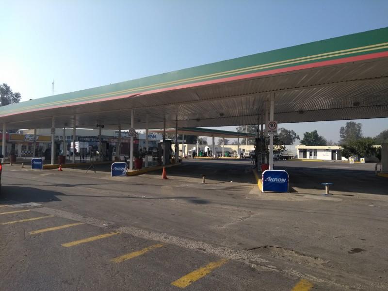 Desabasto golpea economía de 25 municipios de Jalisco.