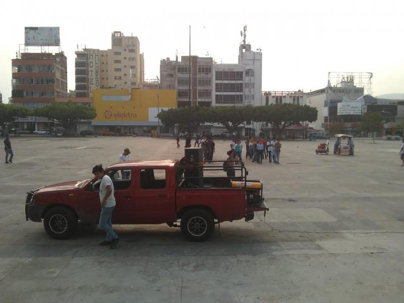 Desalojan a manifestantes para prevenir COVID-19