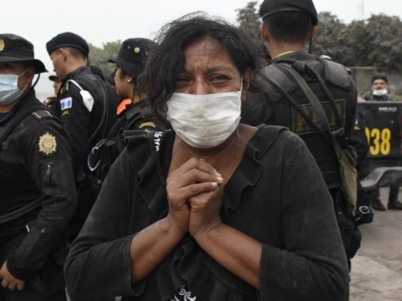 Desalojan poblados en Guatemala por actividad de Volcánica