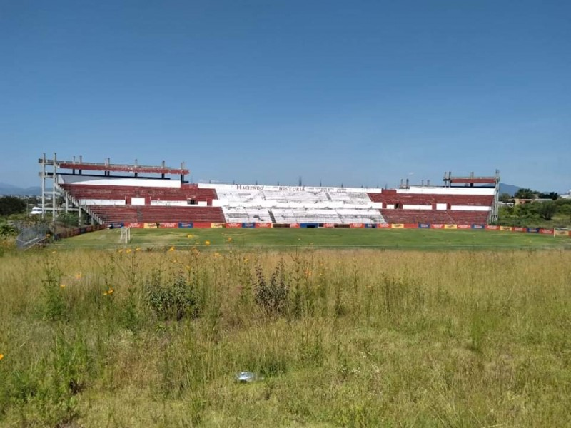 Desarrollan proyecto para conclusión del estadio de La Beatilla
