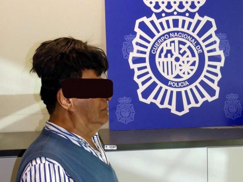 Descabellado decomiso: escondía 'coca' en su peluca