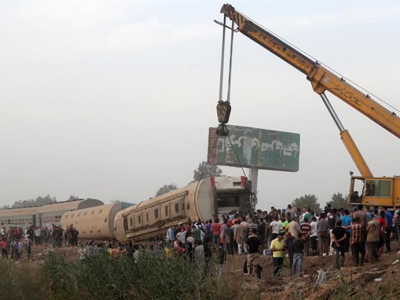 Descarrila tren en Egipto, al menos 11 muertos