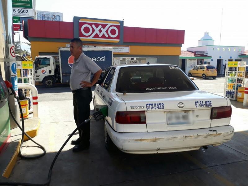 Descartan gasolineros desabasto en servicio de Tepic