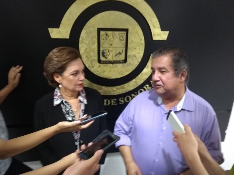 Desconocen renuncia de Andrade