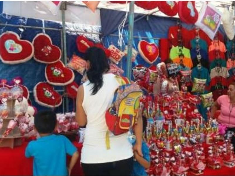 Desechan comerciantes en pequeño establecimiento de feria 14 de febrero