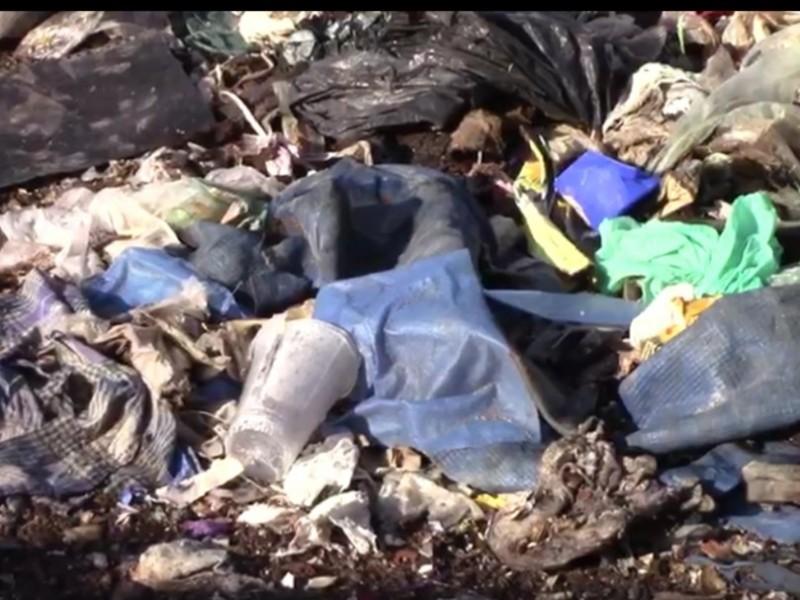 Desechos de COVID-19  enterrados en el basurero de NezaBordo