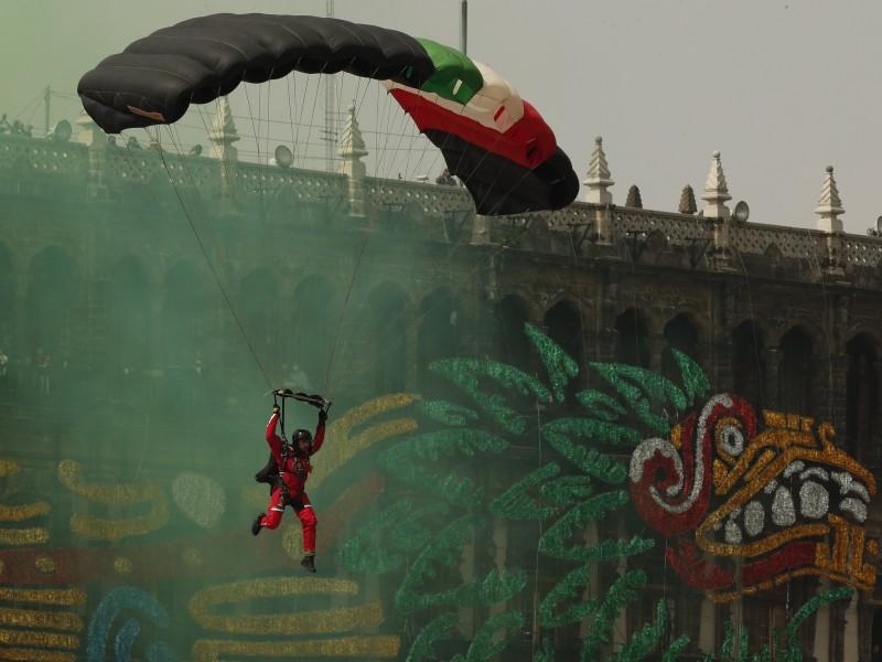 Desfile Militar por el aniversario de la Independencia de México