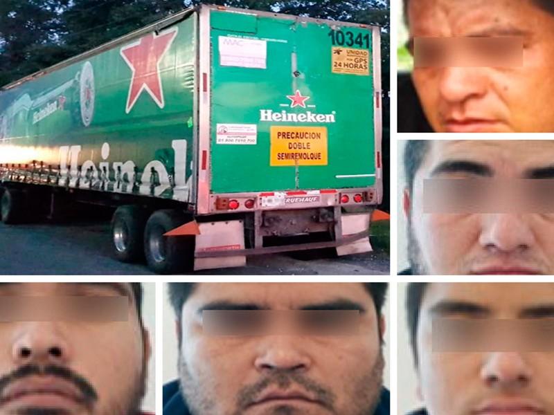 Desmantelan banda de robo de vehículos en Puebla