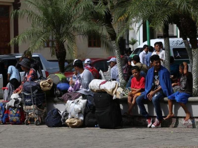 Despiertan migrantes en Parque de Tapachula