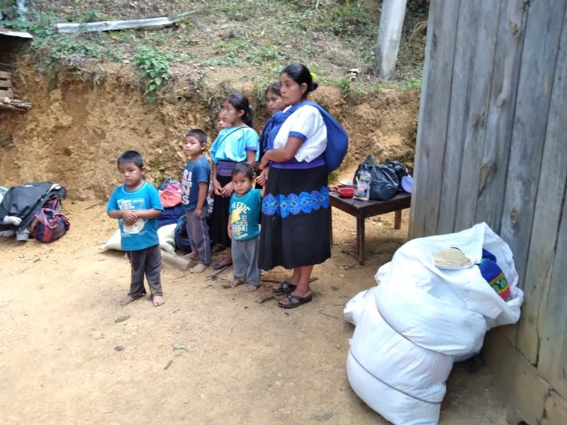 Desplazados de Pantelhó  huyen a las montañas