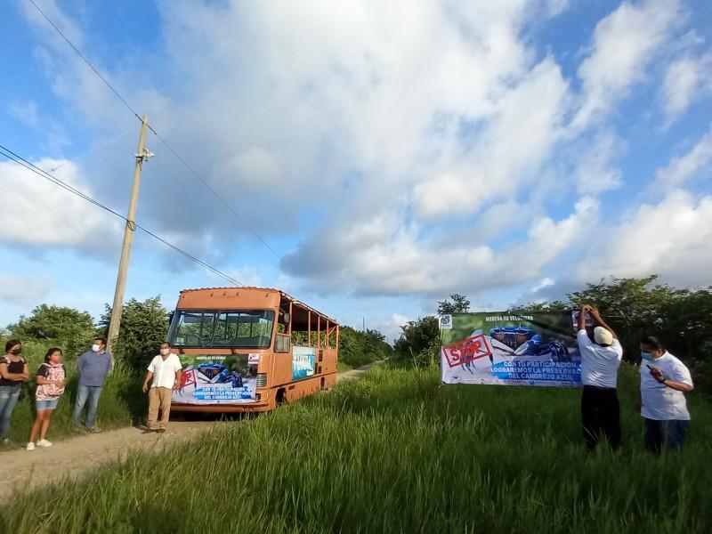 Despliegan lonas informativas sobre protección del Cangrejo Azul