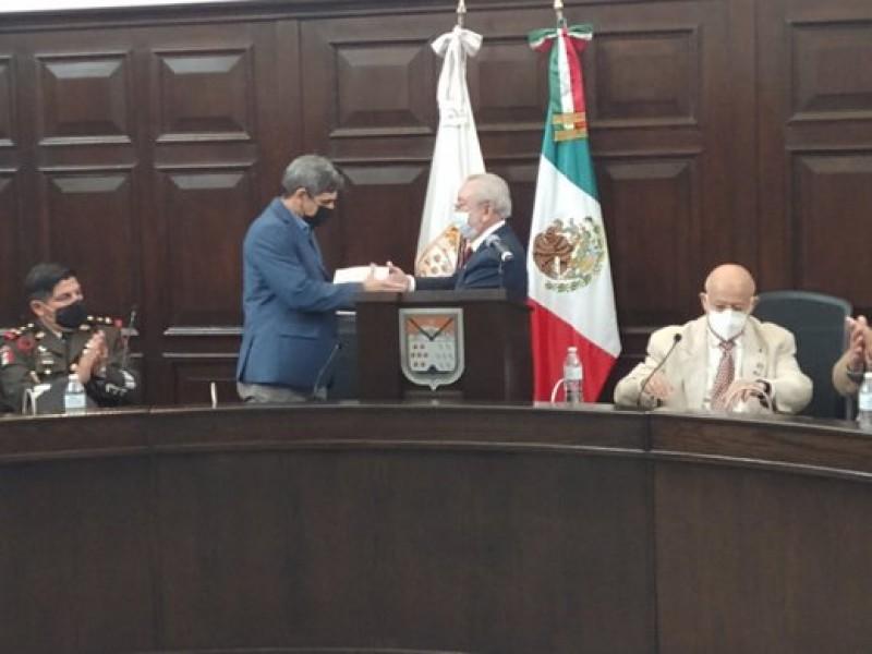 Destaca alcalde logros en deuda y obras en Tercer Informe