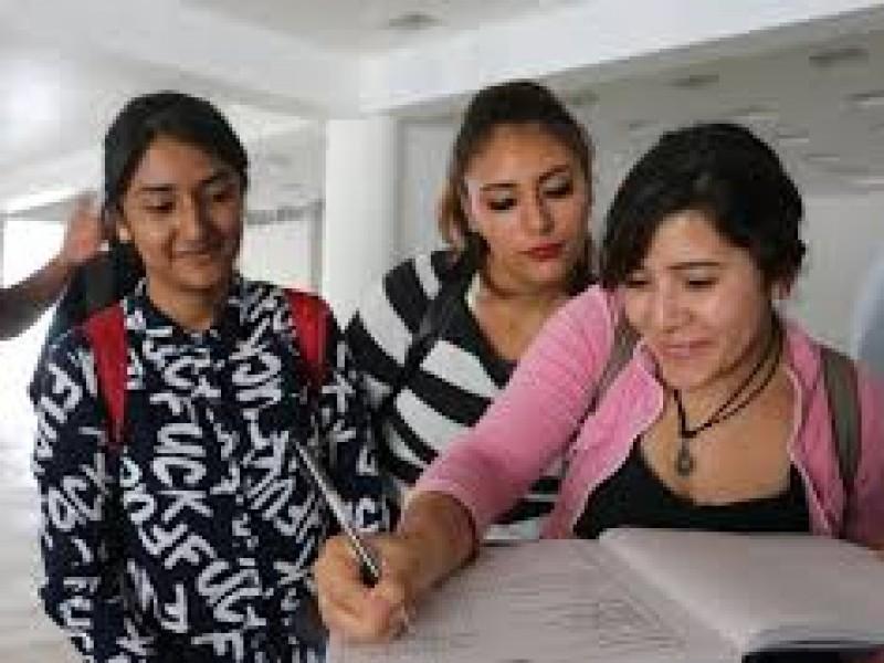Destina Instituto de Becas y Crédito Educativo 135 apoyos
