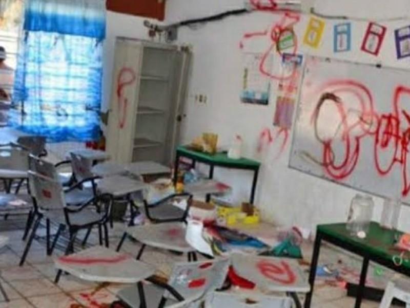Destinará municipio 50 millones de pesos para escuelas vandalizadas