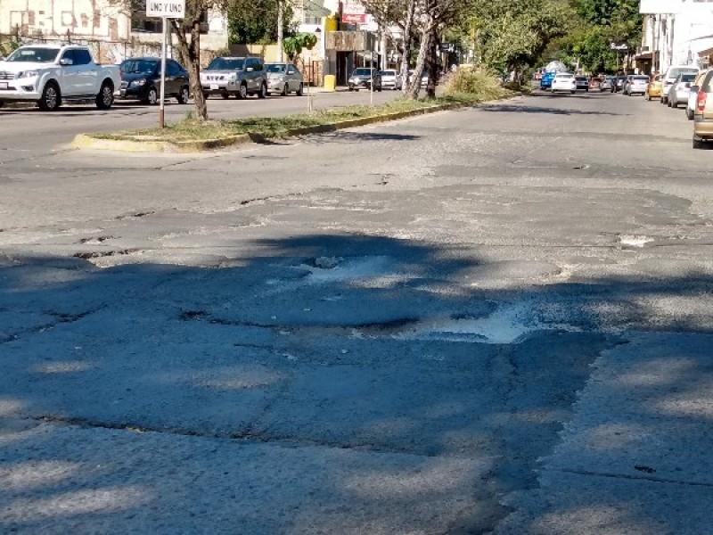 Destrozado el cruce de avenidas del Valle y Cultura