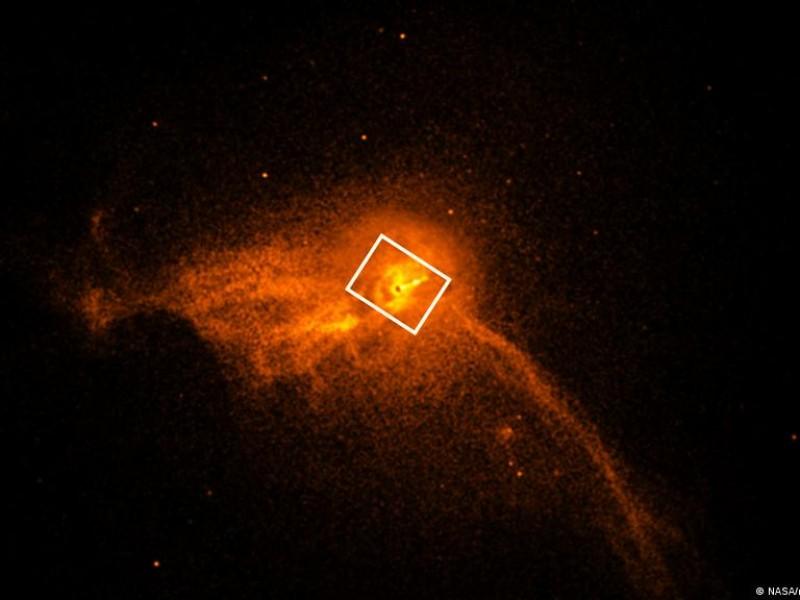 Detectan, por primera vez, luz detrás de un agujero negro