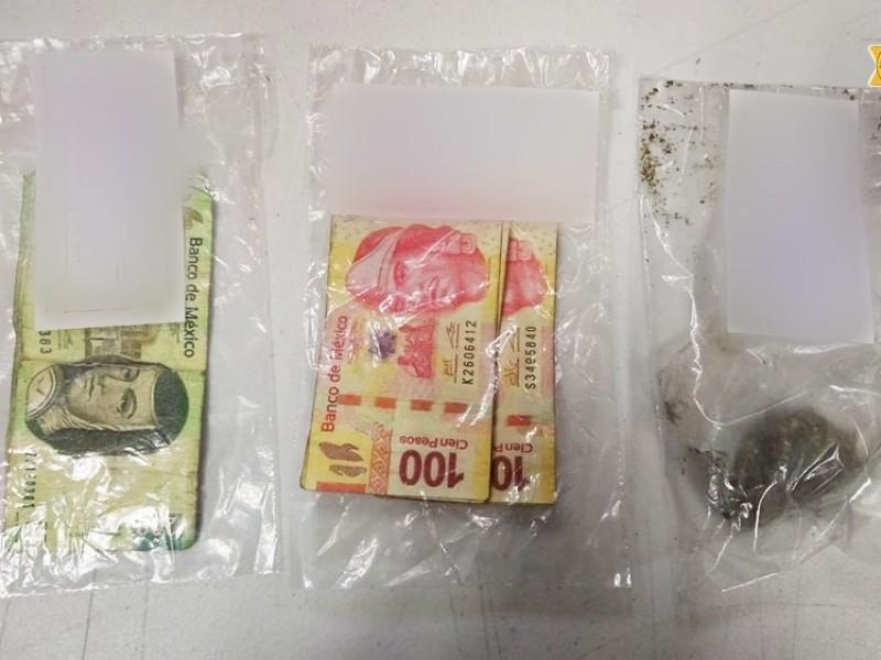 Detenidos por usar billetes falsos