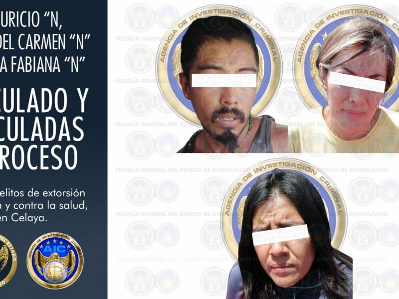 Detiene Fiscalía a un hombre y dos mujeres por extorsión