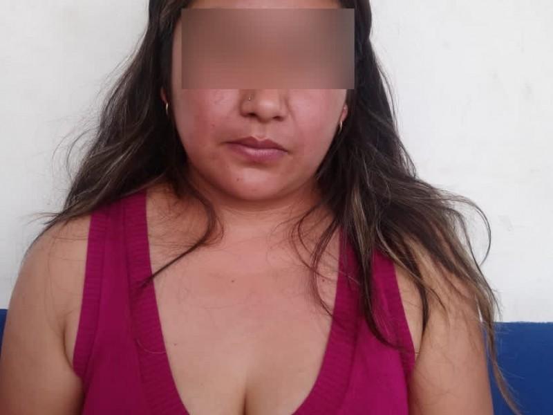 Detiene Policía Estatal a presunta narcovendedora en Xonacatepec