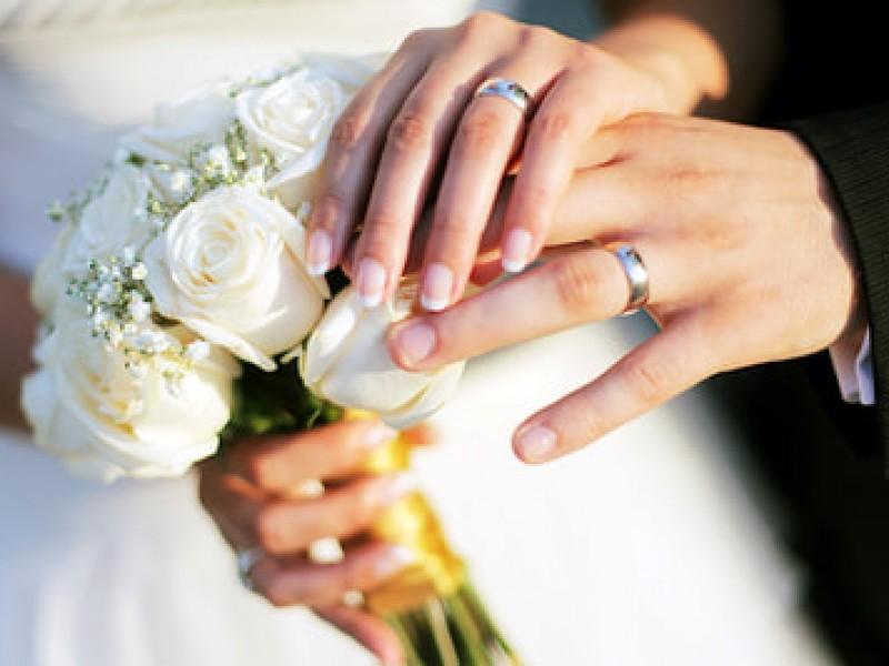 Detienen a 12 por romper cuarentena y celebrar boda