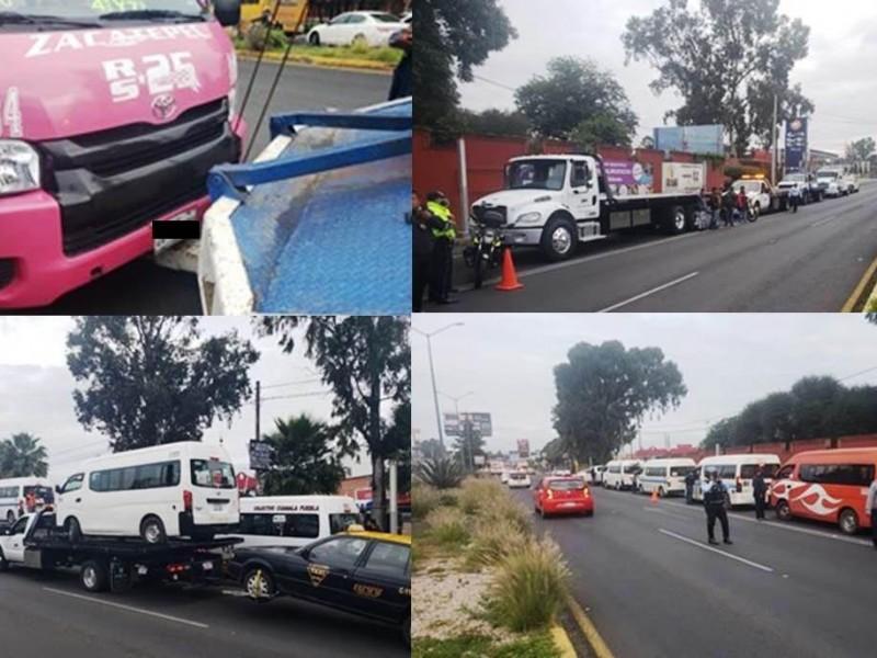 Detienen a 12 unidades irregulares en San Pedro Cholula