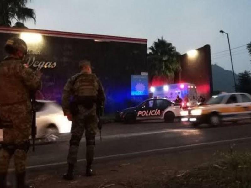 Detienen a 19 migrantes en motel de Ixtaczoquitlán.