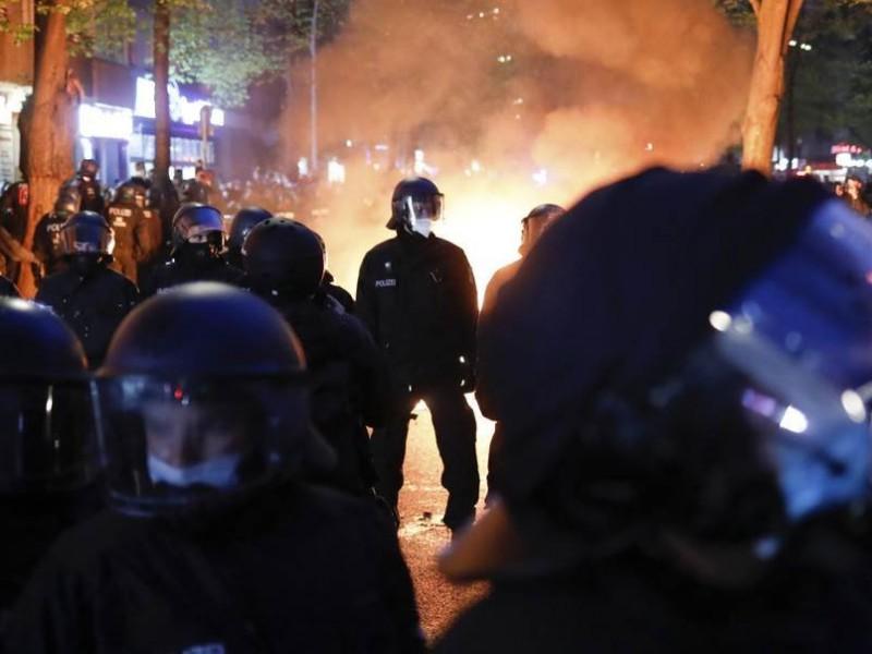 Detienen a 500 en Alemania en protestas contra medidas Covid-19