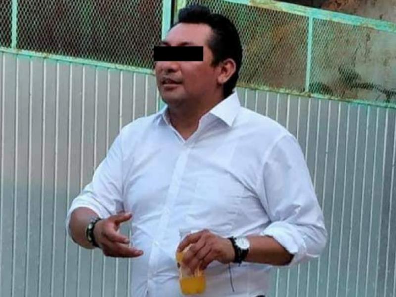 Detienen a ex tesorero de Hidalgotitlán por presunto robo.