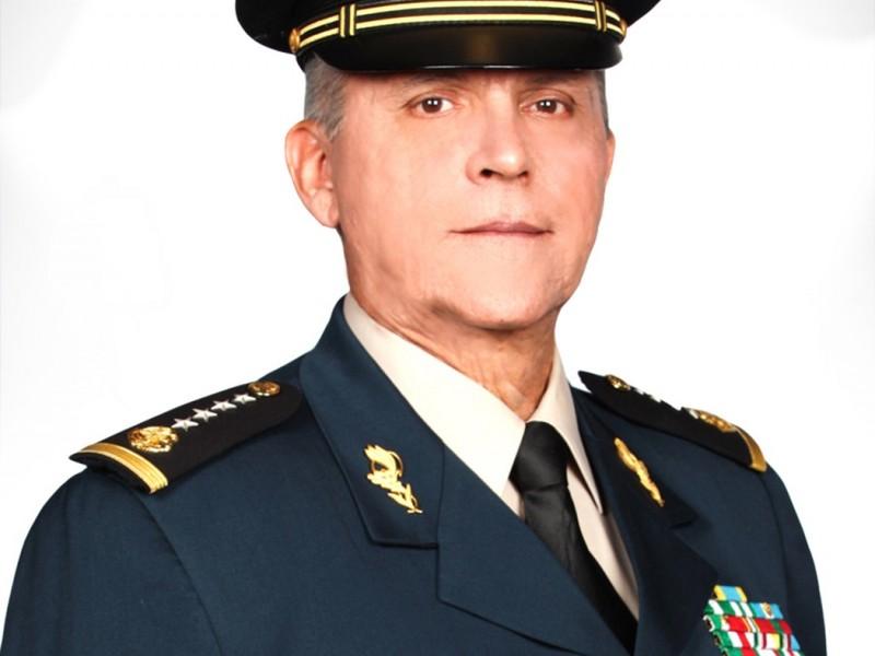Detienen a ex titular de la SEDENA Salvador Cienfuegos Zepeda