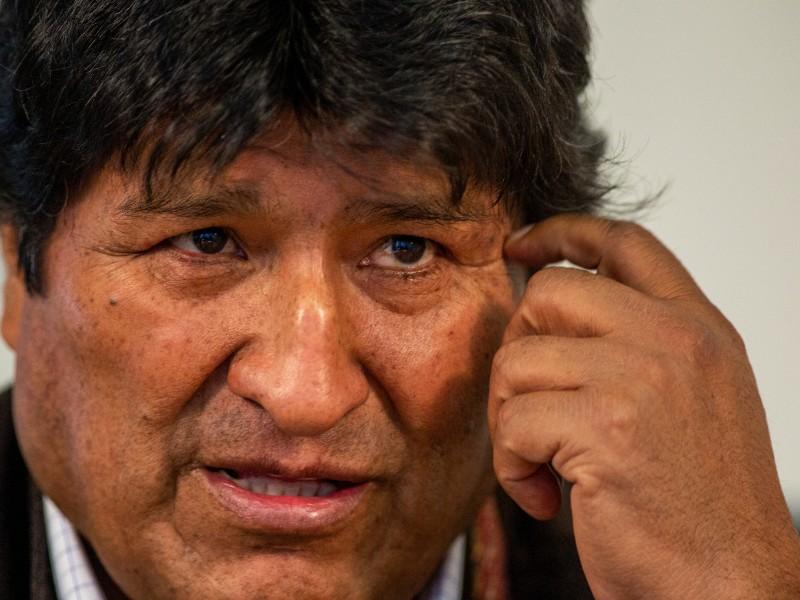Detienen a exfuncionarios de Evo Morales; venían a México