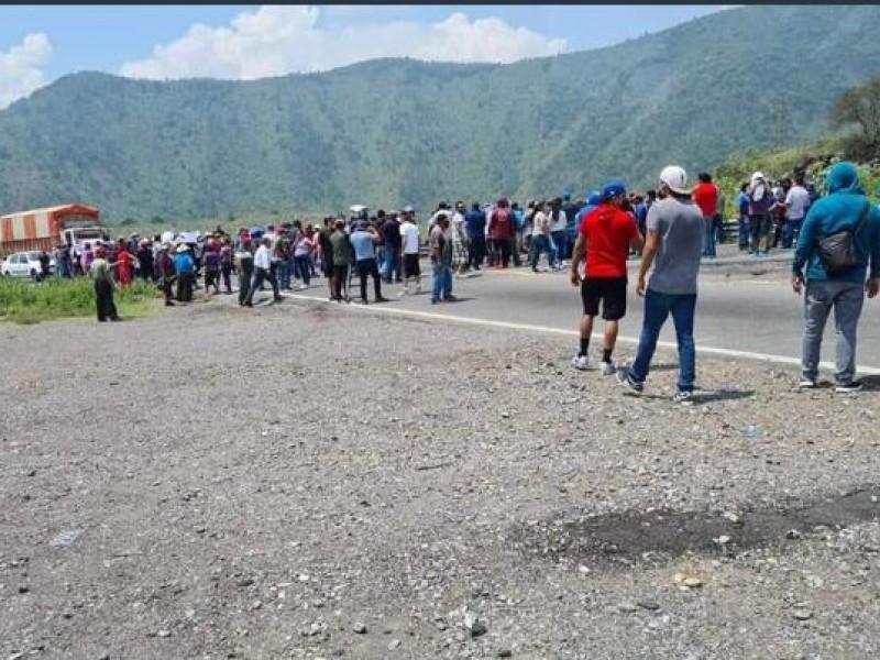 Detienen a más de 50 hombres armados de la guardia civil