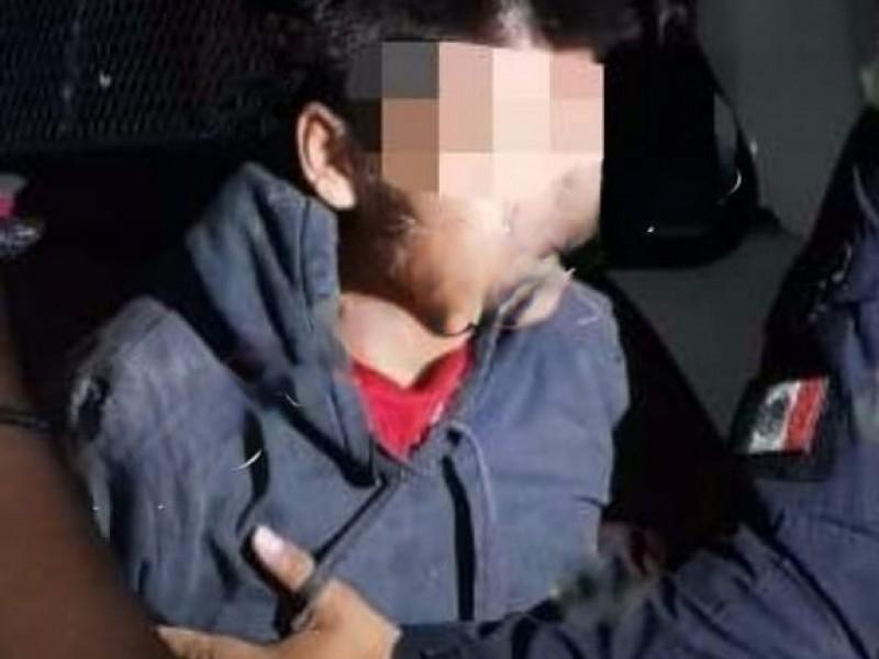 Detienen a presunto ladrón en barrio de Amozoc