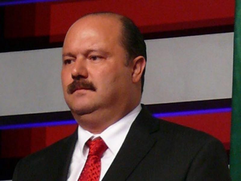 Detienen al ex gobernador César Duarte en Florida