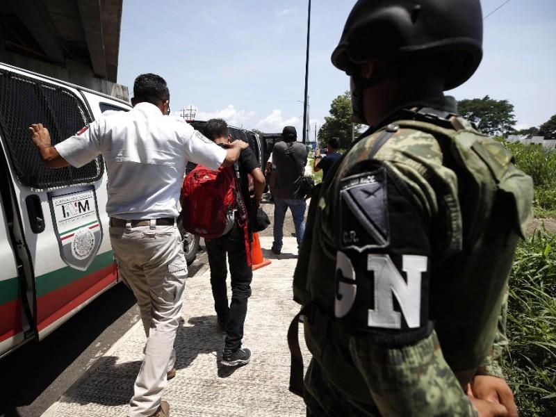 Detienen autoridades a migrantes en la frontera