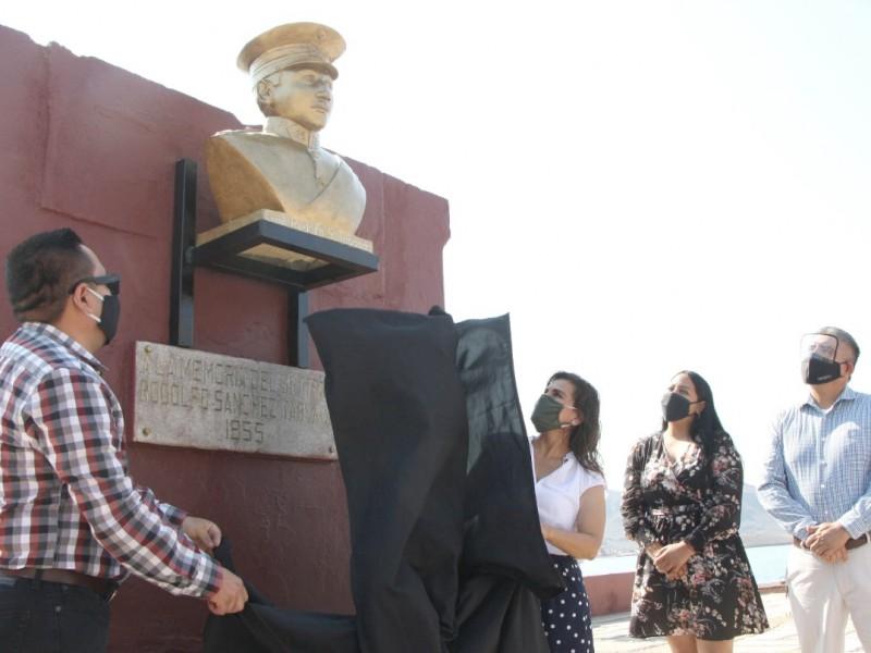 Devela alcaldesa busto del general Rodolfo Sánchez Taboada