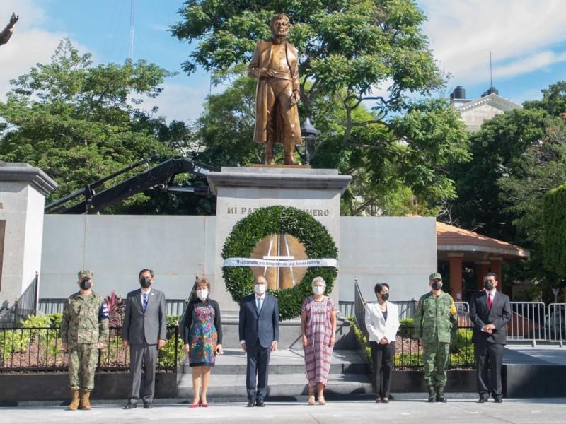 Develan estatua de Vicente Guerrero en Chilpancingo