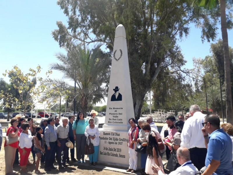 Develan monumento a pionero Don Ramón Cid Díaz