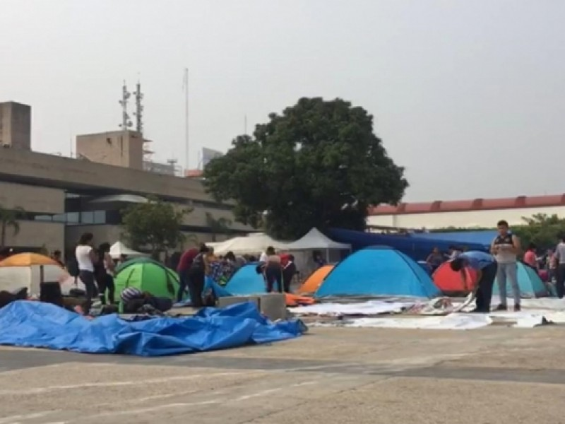 Dialogo por encima de manifestaciones, piden empresarios