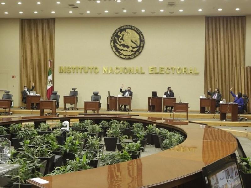 Diego Sinhué respalda al INE ante desprestigio de AMLO