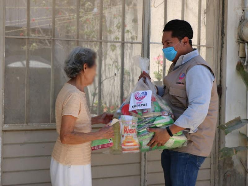 DIF Chiapas entrega despensas a adultos mayores