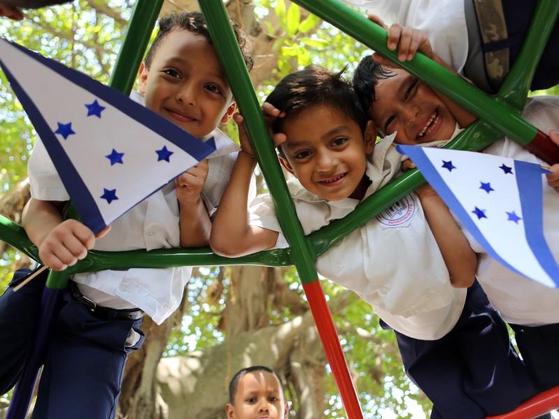 DIF Torreón repatría dos niños hondureños