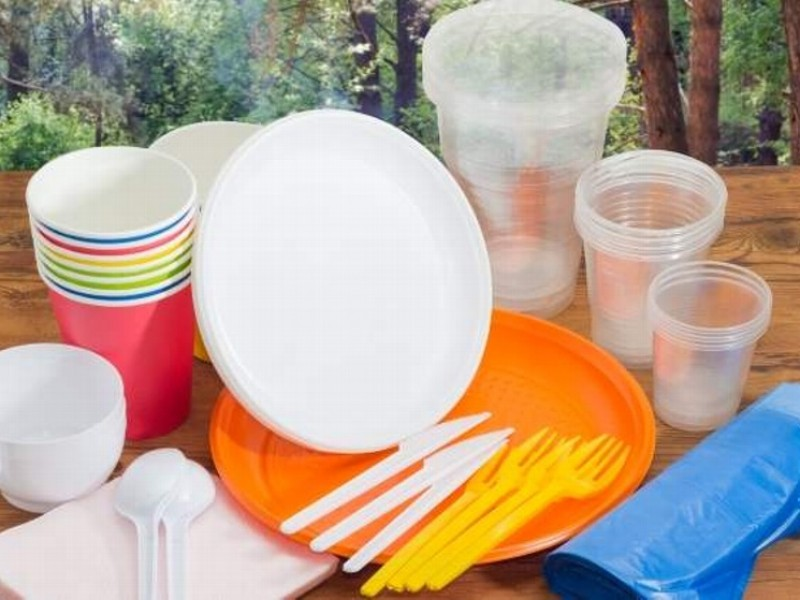 Difícil dejar de usar plásticos: empresarios