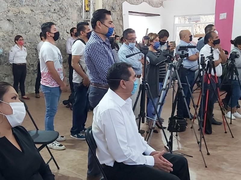 Diputada Karina Careaga acudió al informe de alcaldesa de Jalpan