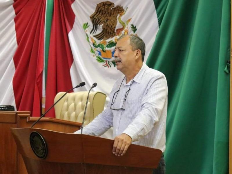Diputado exhibe omisión de legisladores por casos de corrupción