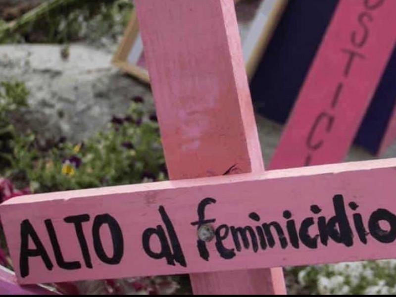 Diputados aumentan a 65 años la pena máxima por feminicidio