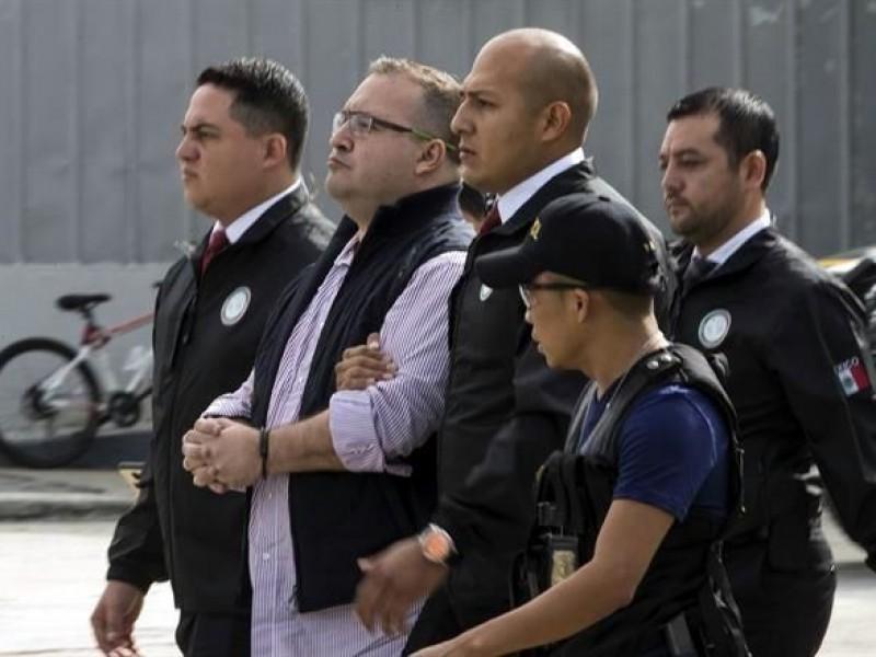 Diputados exigen aplicación de ley a Duarte