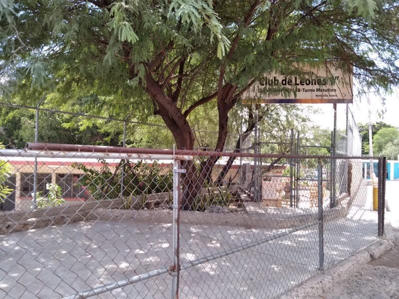 Director de primaria pide ayuda para retirar basura