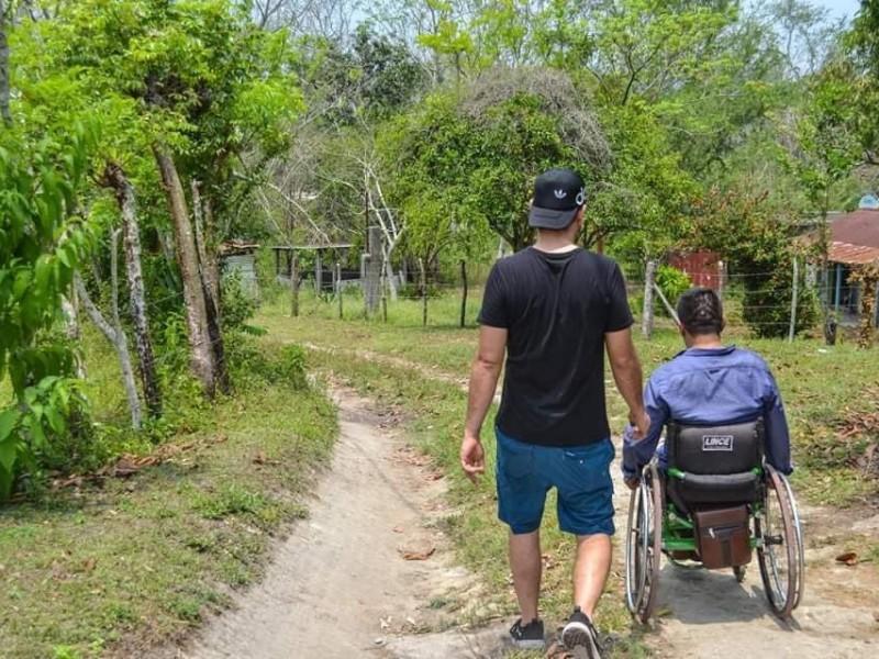 Discapacitados luchan para obtener recursos